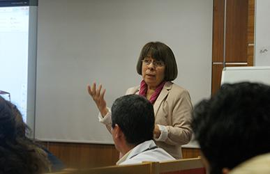 Multidisipliner Bilimsel Eğitim Toplantısının konuğu Prof. Dr. Ayşin Dervent oldu. 2