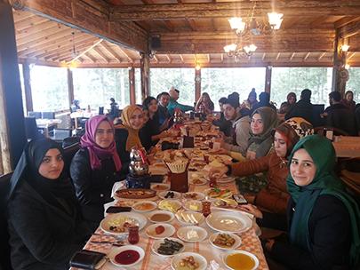 Üsküdar Üniversitesi öğrencileri, dönemin yorgunluğunu Kartepe ve Sapanca'da attı
