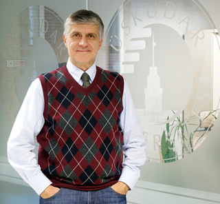 Prof.Dr. Tayfun Uzbay, TEB Eczacılık Akademisi Başkanı oldu