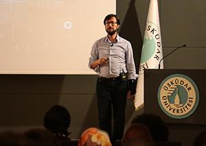 Microsoft Genel Müdür Yardımcısı Cavit Yantaç, Üsküdar Üniversitesi'nde gençlerle buluştu. 2