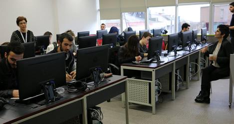 Üsküdar Üniversitesi İletişim Fakültesi'nde gazetecilik atölyesi düzenlendi 2