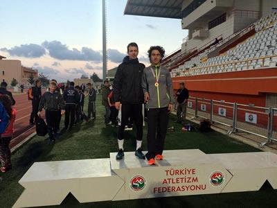 Üsküdar Üniversiteli atlet Türkiye için ter dökecek