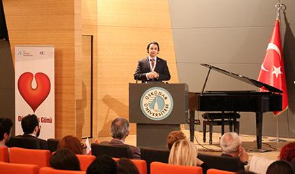 Üsküdar Üniversitesi'nde ses sağlığı sempozyumu gerçekleştirildi. 7