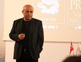 Siyasal İletişim uzmanı Necati Özkan, Üsküdar Üniversitesi'nde iletişimcilerle buluştu… 2