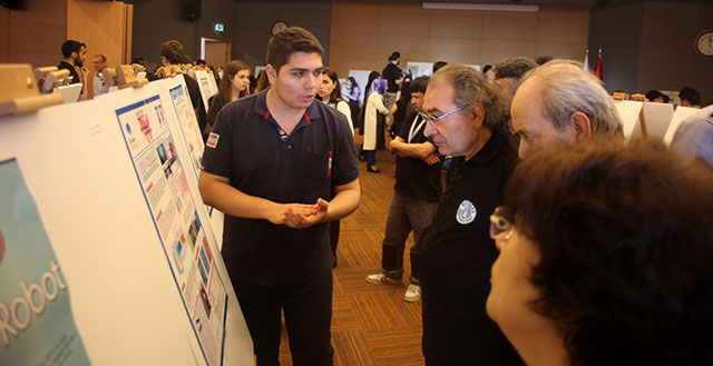 """High School Students Competed with """"their ideas"""" at Üsküdar University 7"""