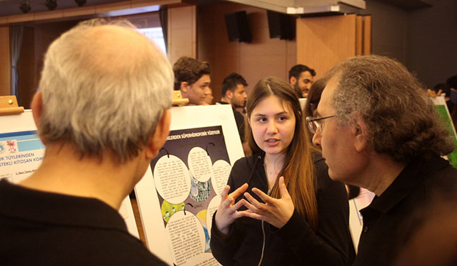 """High School Students Competed with """"their ideas"""" at Üsküdar University 8"""