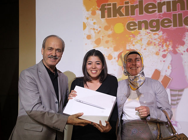"""High School Students Competed with """"their ideas"""" at Üsküdar University 2"""