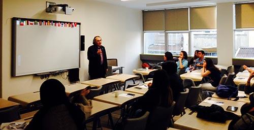 Rektör Tarhan, ERASMUS oryantasyon programında öğrencilerle buluştu