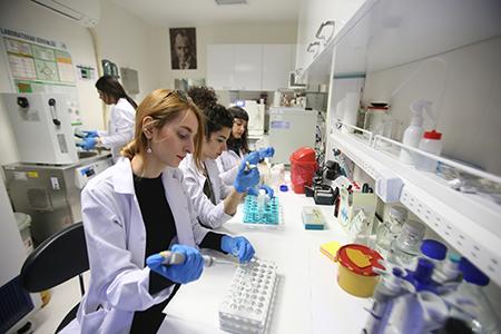 Mikrobiyal Biyoteknoloji Araştırma Laboratuvarı