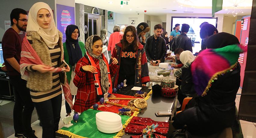 Erasmus Oğrenci Etkinliği Farklı Kültürlerin Birleşmesi
